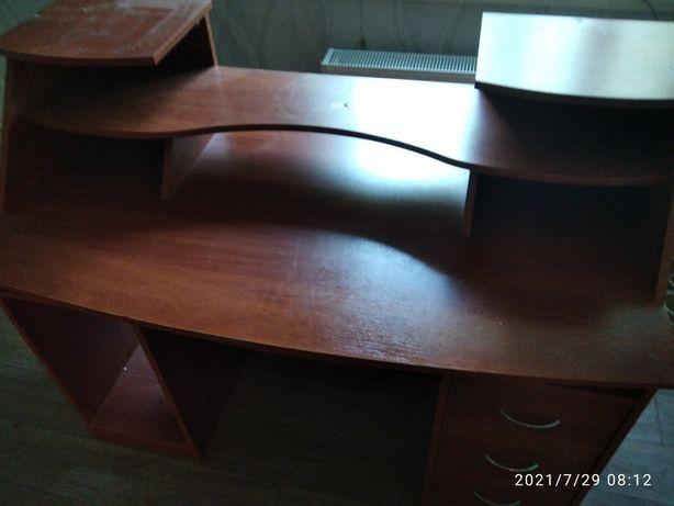 Компьютерный стол. Письменный стол.