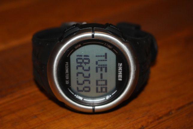 Продам годинник СКМЕЙ з функцією пульсометр та крокомір