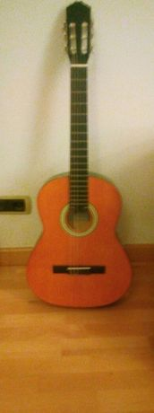 Guitarra marca Messina