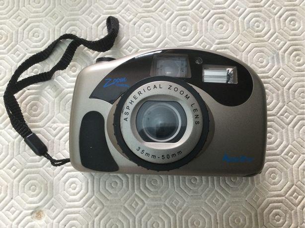Maquina fotografica com zoom e rebobinagem automatica