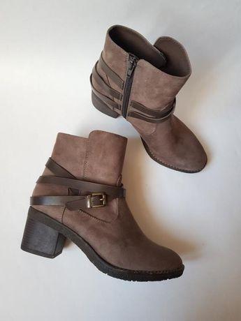 Шикарные демисезонные женские ботинки на небольшом каблуке Graceland