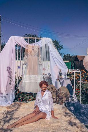 Стильна весільна сукня