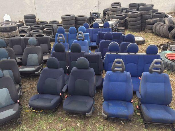 Фиат Добло Фіат сідушкі задні сидения сидіння задние тройка пасажир