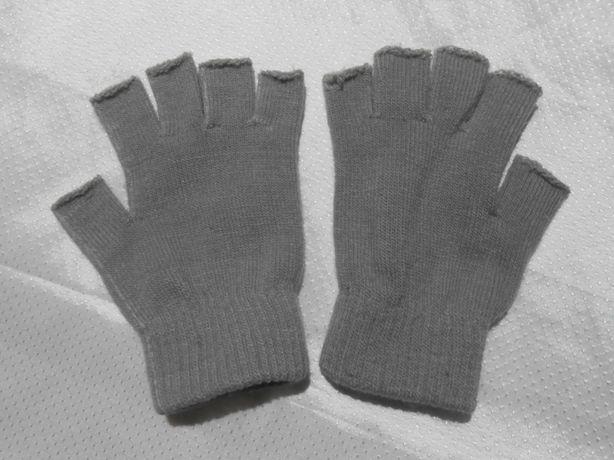 Перчатки с обрезанными пальцами (без пальцев)