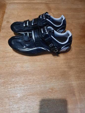 Sapatos ciclismo estrada