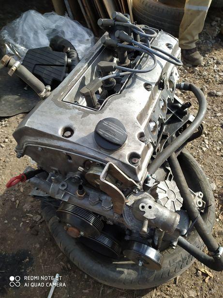 Мотор 2.3 бензин спринтер!