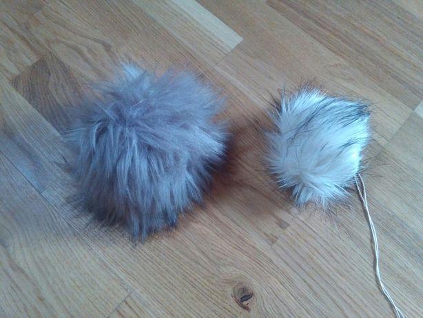 2 pompony futrzaki do czapki