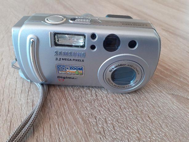 Aparat fotograficzny Samsung Digimax V3 3,2 Mega Pixels z etui