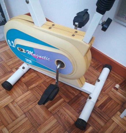 Bicicleta Estática Magnetic 9.2