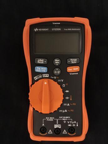 Keysight Agilent U1233A мультиметр, тестер.