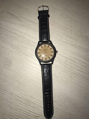 мужские часы с кожаным ремешком
