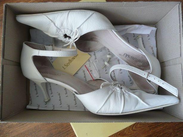 Buty ślubne białe skórzane na szpilce + fleki zapasowe Szydłowski