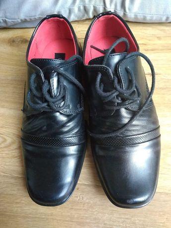 Buty komunijne czarne