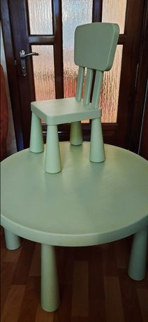Детский круглый столик и 2 стула  IKEA MAMMUT