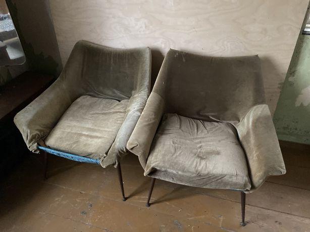 PRL fotele muszelka Ewa z metalowymi nóżkami