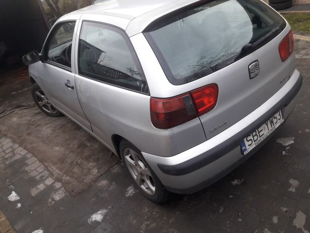 Seat Ibiza 1.4 na czesci zderzak,maska,drzwi,błotnik,klapa,silnik