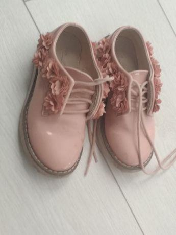Buty lakierki dziecięce
