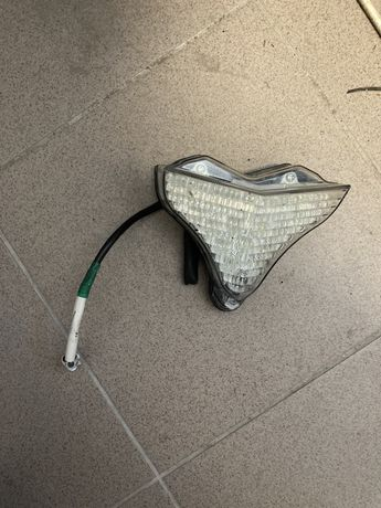 Yamaha r1 rn22 lift lampa tylna kierunkowskaz