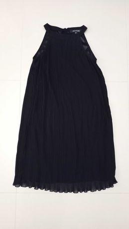 Elegancka, czarna, prosta, plisowana sukienka Top Secret rozm. 36