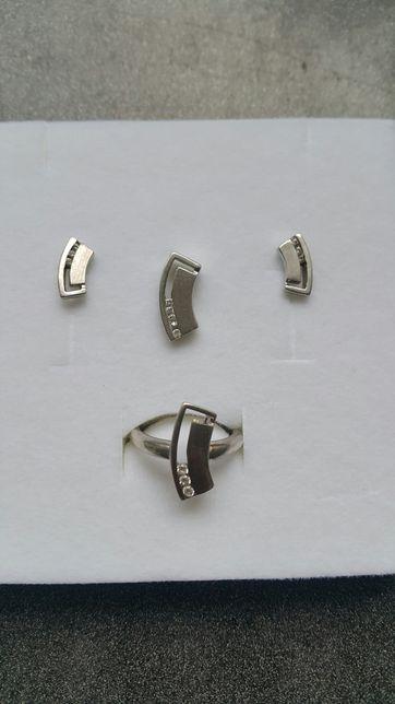 Komplet bizuterii srebrnej pierścionek kolczyki zawieszka