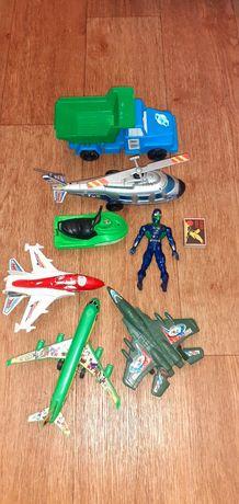 Набор игрушек самолет самосвал катер вертолет солдатик