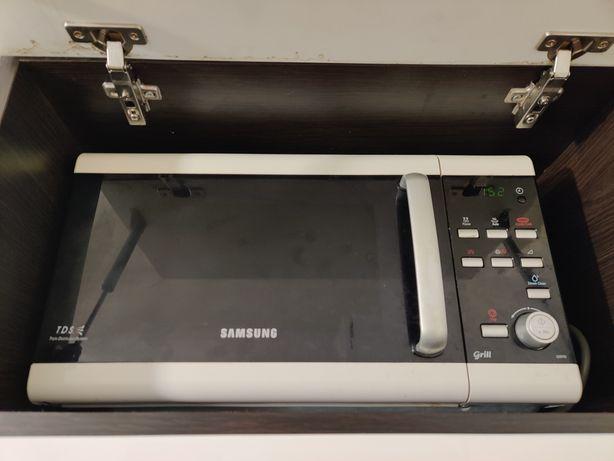 Kuchenka mikrofalowa Samsung GE87W