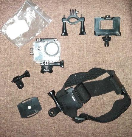 Câmara fotográfica GoPro e acessórios