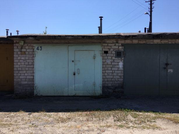 Продам гараж в районі 5-ї автобази, тов. 3