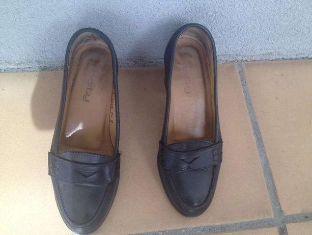 Sapatos 36 HAITY pretos em pele