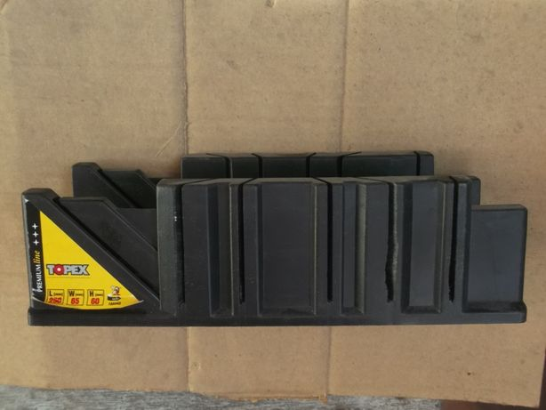 Стусло пластмассовое 10А843 (Польша, 250х65х60мм)