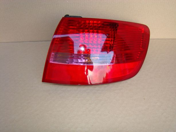 Lampa Prawy Tył Audi A6 C6 Kombi / Awant stan bardzo dobry