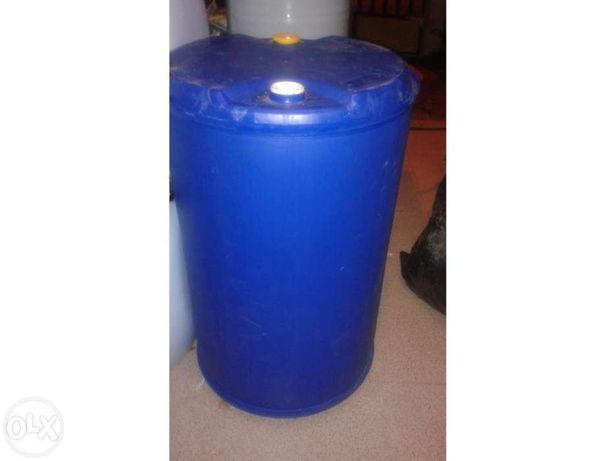 Bidons de 220 litros em plástico com 2 bujons