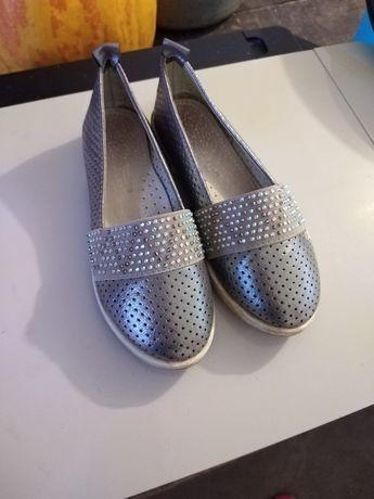 Продам очень красивые туфельки