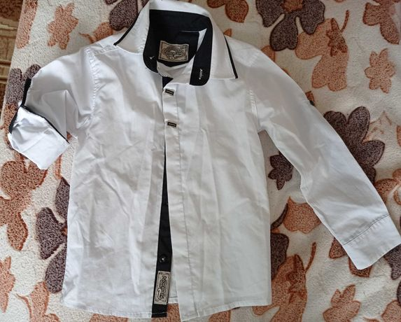 Біла рубашка на хлопчика 4-6 років