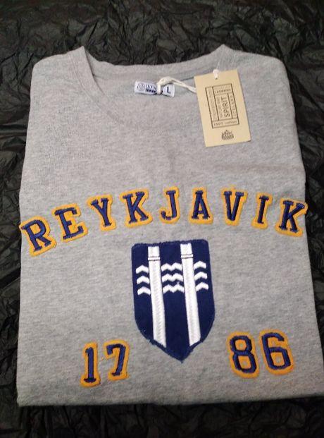 Новая Футболка Reykjavik Исландия. Размер L