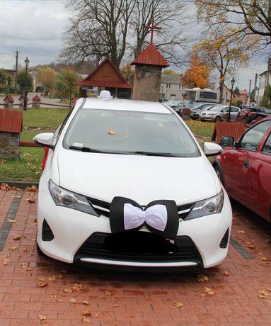 Ozdoba na samochód do ślubu