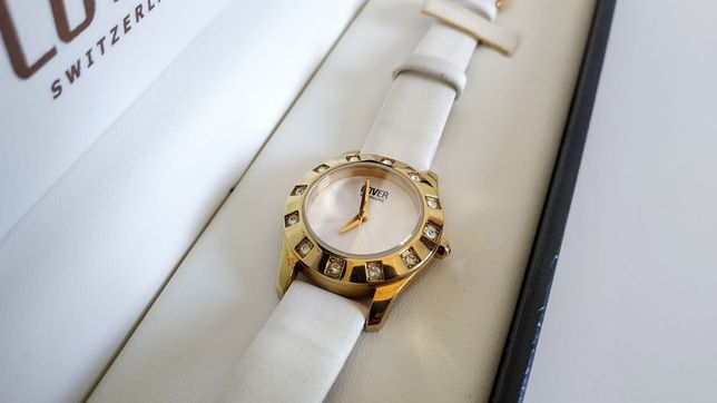 Часы женские швейцарские Cover