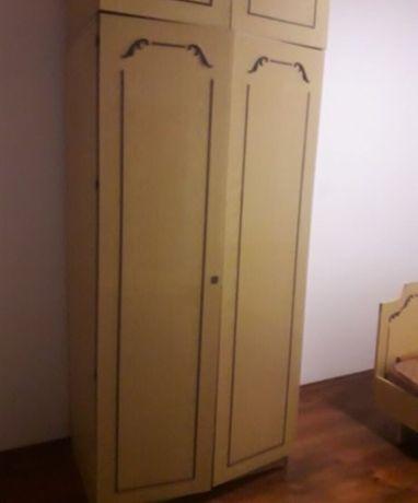 Продам 2 шкафа и трюмо