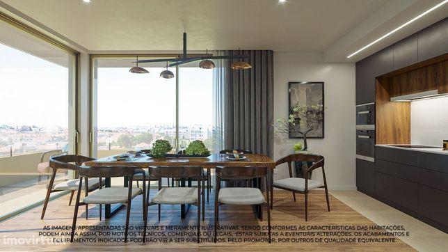 T2 Novo Piso 3, varanda de 13m, arrumos e garagem em Canidelo Gaia