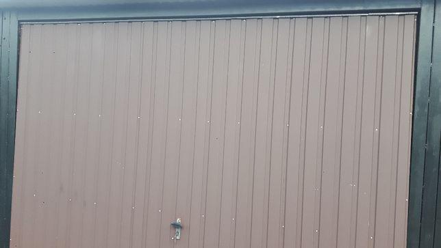 Fajne bramy garażowe 310 x 245