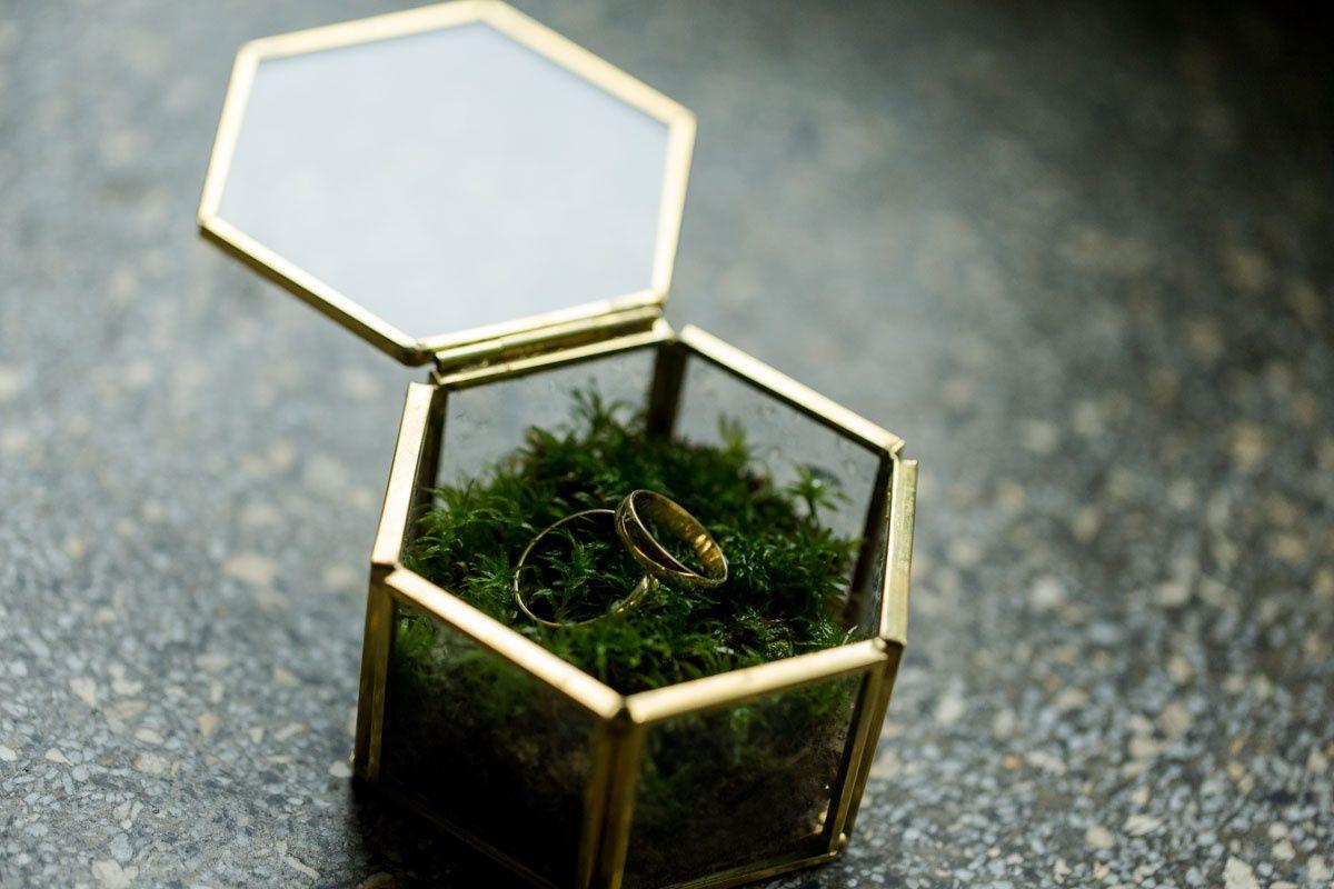 Pudełko na obrączki złote
