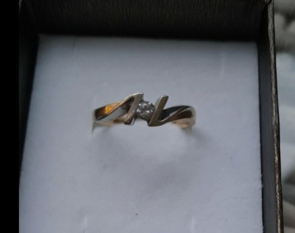 Pierścionek białe i żółte złoto 585 3,1g
