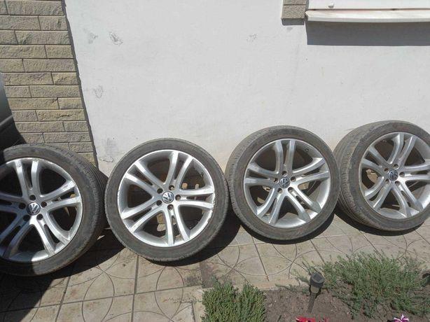 Продам диски легкосплавные с резиной на VW  255/40R19