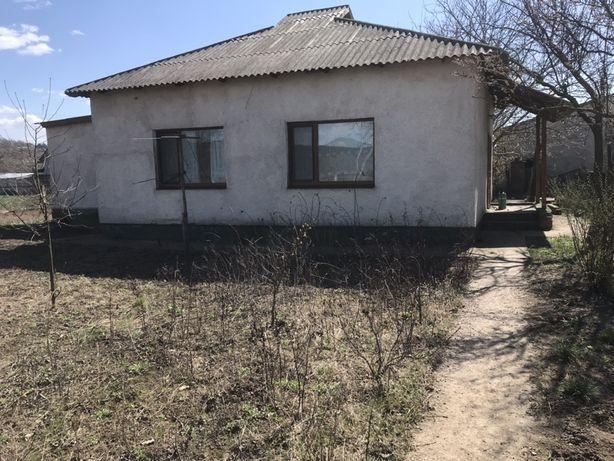 Дом біля Дністра
