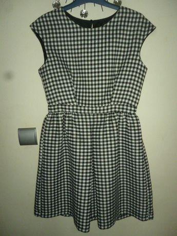 Sukienka w pepitkę Zara