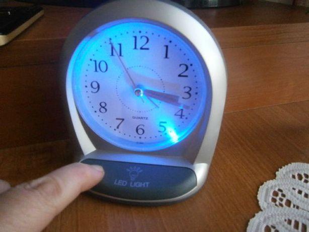 Nowy zegarek - budzik podświetlany