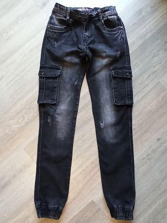 Продам джинсы (джоггеры) на мальчика