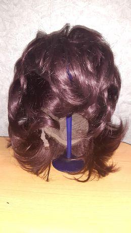 Продам парик с челкой