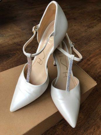 Rozmiar:38, buty na ślub, ślubne, SKÓRA, ecru. Wygodne!!! Firma-UNISA.
