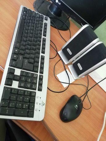Akcesoria komputerowe głośniki, klawiatura, myszka